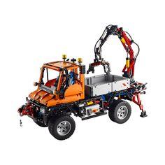 You never grow old of Lego. I really need to get this! Unimog, U400, LEGO TECHNIC
