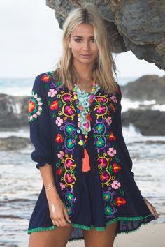 Absolutely stunning embroidery. Love the colourful quirkyness