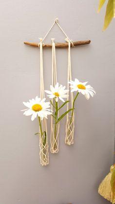 Mural Floral, Flower Pot Crafts, Kawaii Room, Flower Wall Decor, Decorated Jars, Boho Diy, Diy Home Crafts, Beautiful Wall, Hanging Plants