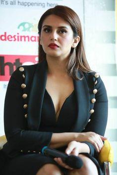 Indian Actress Pics, Bollywood Actress Hot Photos, Bollywood Girls, Beautiful Bollywood Actress, Actress Photos, Indian Actresses, Indian Celebrities, Bollywood Celebrities, Beautiful Celebrities