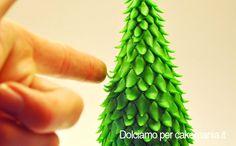 Tutorial Di Cake Design Come Si Fa Un Albero Natale  cakepins.com