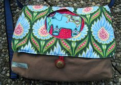 India embroidery: elefant