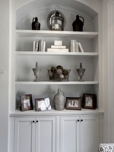 Traditional Family Room Built In Bookcase Design, Pictures, Remodel, Decor and Ideas - page 8