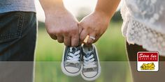 A sweet pregnancy announcement idea with parents holding baby shoes. Pregnancy Gifts, Pregnancy Photos, Fall Pregnancy, Pregnancy Foods, New Parents, New Moms, Bioidentische Hormone, Strong Couples, Strong Marriage