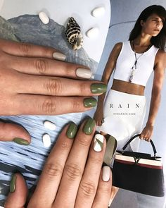 Manicure pedicure designs classy New Ideas Pedicure Colors, Pedicure Designs, Manicure E Pedicure, Nail Colors, Nail Art Designs, Minimalist Nails, Green Nails, Fabulous Nails, Gel Nail Art