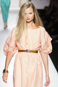 Fendi Spring 2011 Ready-to-Wear Collection by Karl Lagerfeld & Silva Venturini Fendi