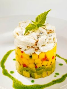 Recipe: Chart House Restaurant Crab, Avocado and Mango Stack - Add diced jalapeño and drizzle with lime juice Seafood Dishes, Seafood Recipes, Appetizer Recipes, Cooking Recipes, Appetizers, Lobster Recipes, Great Recipes, Favorite Recipes, Gluten Free Menu