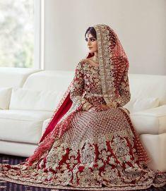 pakistani wedding dress Absolutely love her dress Photo from Isha amp; Absolutely love her dress Photo from Isha amp; Asian Bridal Dresses, Pakistani Wedding Outfits, Indian Bridal Outfits, Indian Bridal Lehenga, Pakistani Bridal Dresses, Pakistani Wedding Dresses, Indian Dresses, Walima Dress, Pakistani Clothing