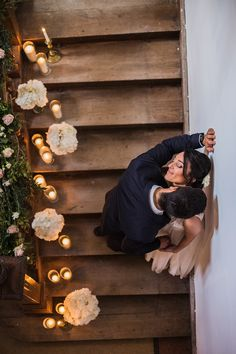 romantic couple portraits | Image by Wedding et Confettis
