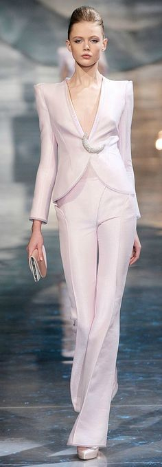 Frida Gustavsson at Armani Prive Spring Haute Couture Style, Couture Mode, Couture Fashion, Runway Fashion, Spring Couture, High Fashion Dresses, Suit Fashion, Fashion Week, I Love Fashion