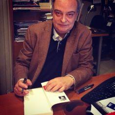 Enrique Vila-Matas ha dejado ejemplares firmados de Kassel no invita a la lógica en Laie Pau Claris