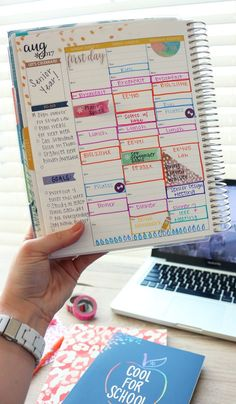 15 Things To Put In Your College Planner. Click through to read and see more, or pin to save for later! Find more college tips on www.hayleolson.com :)