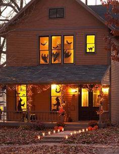 Décoration Halloween pour les fenêtres totalement conformes à l'esprit de la fête des morts
