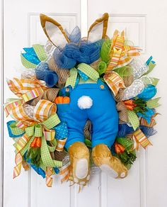 Spring Front Door Wreaths, Spring Wreaths, Holiday Wreaths, Easter Crafts, Easter Decor, Easter Wreaths, Porch Decorating, Easter Bunny, Easter 2018
