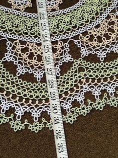 You just can't win with so I give up! Needle Tatting Tutorial, Shuttle Tatting Patterns, Thread Art, Tatting Lace, I Give Up, Craft Shop, Doilies, Needlework, Crafty