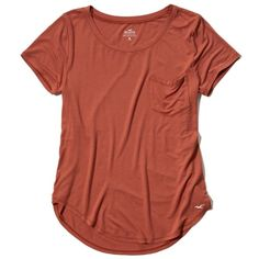 Hollister Must-Have Easy Pocket Tee ($15) ❤ liked on Polyvore featuring tops, t-shirts, orange, orange tee, relaxed tee, curved hem tee, relax t shirt and red t shirt