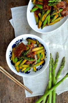 SPRING ASPARAGUS BEEF STIR-FRY, serve this dish over rice along with its yummy sauce. It's a quick and health dinner recipe. #asparagusbeefstirfry, The Woks of Life