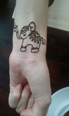 Elephant henna tattoo this is really cute