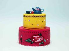 Gâteau dinette signé Chez Bogato / China cake Gâteau Peace & Love / Peace & Love cake by Chez Bogato • Boutique atelier 7 rue Liancourt – Paris 14ème – 01 40 47 03 51 • ouvert du mardi au samedi de 10 heures à 19 heures