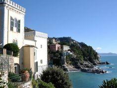 Castello Canevaro, splendida location affacciata sul mare. Luogo ideale per organizzare un meeting aziendale.
