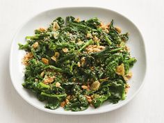 Get Spicy Coconut Broccoli Rabe Recipe from Food Network Veggie Side Dishes, Healthy Side Dishes, Side Dish Recipes, Food Dishes, Broccoli Rabe Recipe, Broccoli Florets, Wheat Berry Salad, Healthy Sides, Food Network Recipes