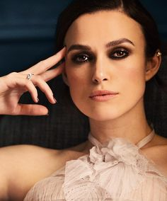 Keira Knightley for Chanel Coco Mademoiselle Intense Keira Knightley Makeup, Keira Knightley Chanel, Keira Knightley Style, Keira Christina Knightley, Kierra Knightly, English Actresses, British Actresses, Beauty Makeup, Hair Makeup