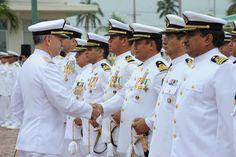 El almirante José Santiago Valdés Álvarez, jefe de Estado Mayor General de la Armada, quien, en representación del Alto Mando de la institución, tomó la protesta de Ley y dio posesión a los nuevos comandantes.