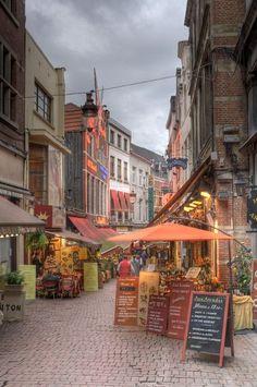 Rue des Bouchers, Brussels, Belgium°°