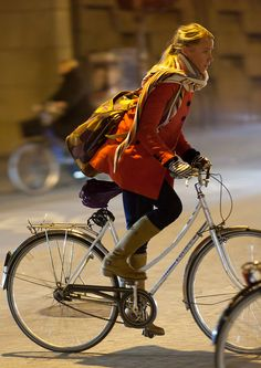 Welcome to the original Cycle Chic. Streetstyle, bicycle advocacy on high heels, style over speed. Bicycle Women, Road Bike Women, Bicycle Girl, Cycle Chic, Folding Mountain Bike, Urban Bike, Bike Style, Cycling Bikes, Cycling Art