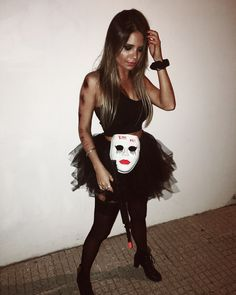 halloween disfraces Easy DIY Halloween Costumes for Women to Make - The Purge Purge Halloween-Kostme fr Frauen Disfarces Halloween, Adulte Halloween, Diy Halloween Costumes For Women, Scary Halloween Costumes, Halloween Makeup, Sexy Diy Costumes, Fancy Dress Costumes For Women, Halloween Decorations, Costumes Faciles