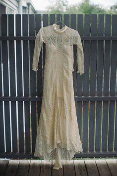 1940s French lace wedding dress | 1940s Vintage Wedding Dress | fabmood.com #wedding #weddingdress #vintagewedding #bohemianwedding #diywedding #1940s #vintageweddingown