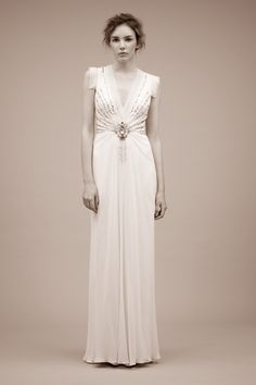 More Jenny Packham glam. I might need to find a way to get one of these...