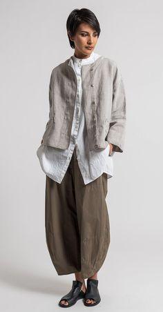 Oska Linen Talida Jacket in Natural   Santa Fe Dry Goods & Workshop #oska #oskaclothing #linen #pants #fashion #style #clothing #spring #summer #ss17 #casual #santafe #santafedrygoods