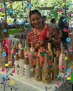 Best 11 Scroll down – SkillOfKing. Wine Bottle Vases, Plastic Bottle Crafts, Diy Bottle, Wine Bottle Crafts, Glass Bottles, Diwali Diy, Diwali Craft, Garrafa Diy, Bottle Painting