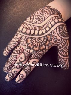 🌸Now taking henna Bookings for 2013/14 www.MendhiHenna.com  www.facebook.com/MendhiHennabridalparties #Henna #mendhi #mehndi #mendhihenna #bridalhenna #bridalmehndi #hennaparty #mehndiparty #hennatattoo #indianwedding #hinduwedding #indianbride #bridesmaids #sangeet #sacramento #weddingphotography #wedding #nails #mua #makeup #indian #punjabi #paki #afghan #dhol #bhangra #sikh #gurdwara #temple #hindu #destinationweddings #bridesmaids #brides #shoes #canvas #painting #art  #festival #tattoo Pretty Henna Designs, Henna Designs Easy, Henna Mandala, Henna Mehndi, Mehandhi Designs, Tattoo Designs, Urban Threads, Simple Henna, Easy Henna