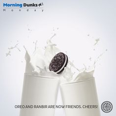 Friendship at first bite. #RanbirKapoor #Monday #Dunks