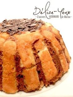 The charlotte CHOCOLATE. The recipe is a Tupperware® recipe, it's very easy to make. For a charlotte (Tupperware® mould): 36 boudoirs 200 g of chocolate … Charlotte Dessert, Easy Desserts, Dessert Recipes, Look And Cook, Tupperware Recipes, Mini Cheesecakes, Pudding, Mini Foods, Pavlova