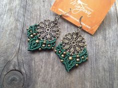 Boucles d'oreilles Micro macramé Mandala Vert bijoux bohémien Hippie chic tissé à la main macramé plume pendants gypsy elfe