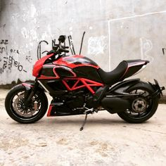 Some good looking bikes there. Ducati Diavel, Hot Bikes, Cafe Racer, Chopper, Cool Cars, Motorcycles, Posters, Sport, Vehicles