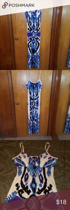 Maxi dress Maxi dress with adjustable straps. Size medium. Snap Dresses Maxi