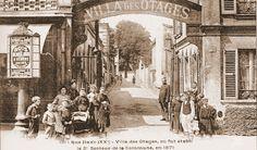 """Comune de Paris. La villa des otages était à l'origine un bal public. L'entrée actuelle est  une porte cochère d'immeuble mais il y a toujours un jardin et une dalle commémorative. Les pères Jésuites occupérent les lieux , il y avait là la reconstitution des 3 cellules de la prison de la Roquette des otages  jésuites. Les cellules et le mur des otages furent détruits dans les années 50 pour faire place à """"l'habitat communautaire Haxo"""""""