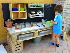 diy pallet mud kitchen for kids - love! Oh my gosh I LOVE this and I know my boys would too as they're always using the play kitchen inside! Diy Furniture Making, Diy Pallet Furniture, Kids Furniture, Garden Furniture, Cane Furniture, Repurposed Furniture, Furniture Projects, Old Pallets, Wooden Pallets