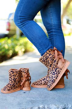 Cozy Bow Back Boots in Cheetah