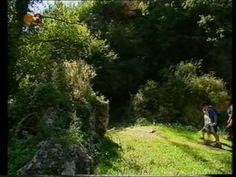 Ruta del Salto de la Novia (es una ruta de senderismo en la que se vá bordeando el Río Palancia y finaliza en el paraje del Salto de la Novia) / Route of Salto de la Novia (is a hiking path which runs along the Palencia River and ends at the site of the Salto de la Novia)