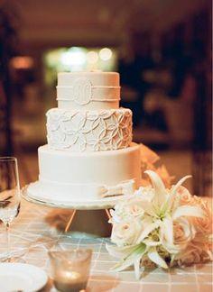 Classic and simple wedding cake.  Photo by Buffy Dekmar Photography.  www.wedsociety.com  #wedding #cakes