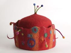 Hats by fiber artist Laurie Chambers of Acme Hats I can't imagine wearing but I love looking at it! Funky Hats, Crazy Hats, Cool Hats, Wet Felting, Needle Felting, Felt Hat, Wool Felt, Fabric Art, Fabric Crafts