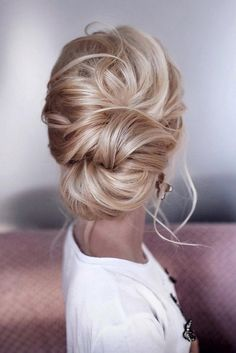 15 Stunning Low Bun Updo Wedding Hairstyles from Tonyastylist | EmmaLovesWeddings | Bloglovin'
