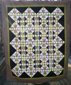 Tricky Stars by Pantsfreesia, via Flickr. Bonnie Hunter pattern - Cathedral Stars