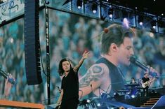Fan Art, Shit Happens, Concert, Larry Stylinson, Twitter Layouts, One Direction Memes, Louis And Harry, Always You, Babies