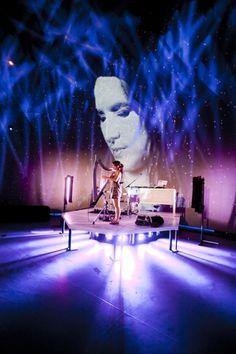 On entend sur le nouvel album de DJ Mini, Espace Temps, la harpe électrique de M'Michèle. Social Advertising, Album, Explore, Mini, Color, Harp, Photo Galleries, Electric, Outer Space